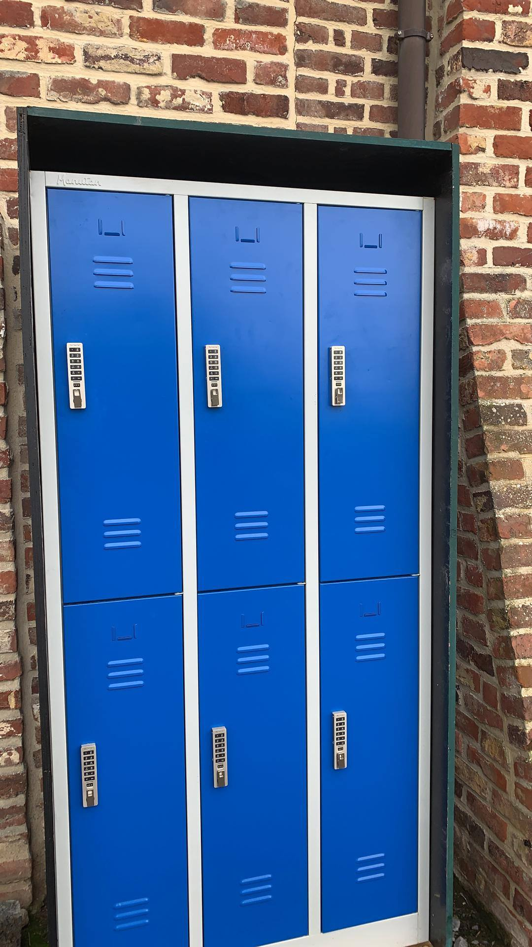 lockers parking